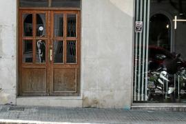 Rescatadas dos personas tras incendiarse su piso en Vila