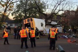 Al menos 6 muertos en un accidente de un autobús escolar en EEUU