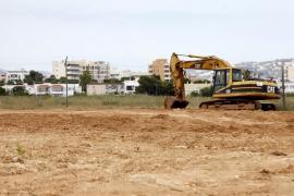 El Govern no piensa retirar las tierras de las autovías