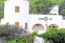 La Guardia Civil detiene a un hombre que utilizaba a menores para vender droga