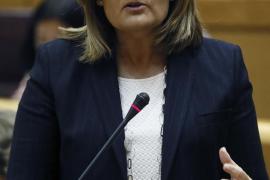 Báñez: «Nadie a jornada completa cobra menos de 655 euros porque sería ilegal»