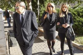 Familiares y amigos despiden a Rita Barberá