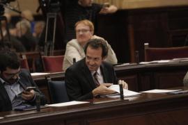 El Govern no descarta recurrir a la vía judicial para evitar que Fomento reduzca los descuentos para residentes