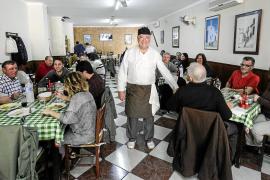 Ibiza despide a su cocinero fiel