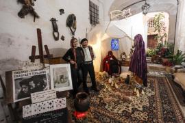El tradicional belén de Traspas y Torijano ya reluce en Dalt Vila