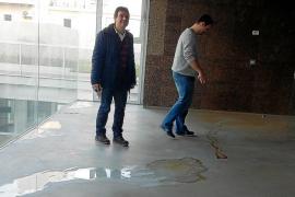 El Conservatorio denuncia que Educació no quiere reparar las goteras del edificio