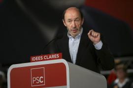 Rubalcaba arremete contra Rajoy por esconder ahora su «catalanofobia»