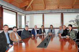 Vila, APB y Marina Ibiza consensuarán las mejoras que se hagan en el puerto deportivo