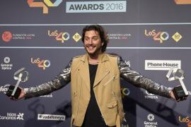 Manuel Carrasco y Love of Lesbian reinan en los Premios 40 Principales