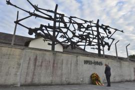 Encontrado en Noruega el portalón del campo nazi de Dachau