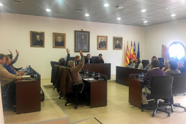 Sant Josep aprueba sus cuentas entre críticas por el retraso de los proyectos