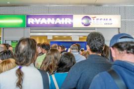 El precio por volar desde Ibiza en Navidad supera los 600 euros para una familia tipo