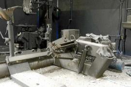 Un incendio calcina un taller mecánico en el polígono industrial de Formentera