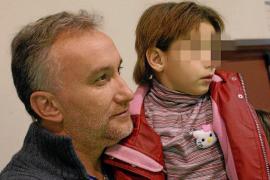Detienen a los padres de Nadia por presunta estafa en donativos