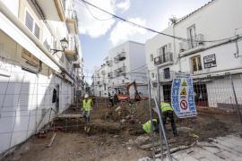 Los obreros que trabajan en la calle Barcelona temen recibir más ataques