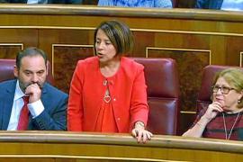 La gestora del PSOE confirma la sanción de 600 euros a Sofía Hernanz por votar en contra de Rajoy