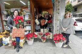 Los comerciantes de sa Capelleta reparten regalos entre los negocios del barrio