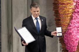 Santos recibe Nobel de la Paz y da por finalizada la guerra en Colombia