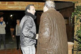 Rodríguez aparece por sorpresa en el acto organizado por Bauzá
