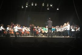 L'Escola Municipal de Música de Palma celebra su concierto solidario de Navidad