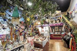 El Mercadillo de Las Dalias comenzó ayer a vivir el sueño de la Navidad