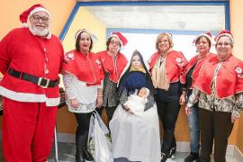 Papá Noel se deja ver y anuncia la llegada inminente de la Navidad