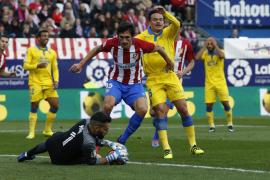 Saúl y Moyá salvan al Atlético de otro apuro