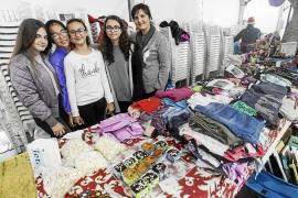 Mercado navideño repleto de solidaridad