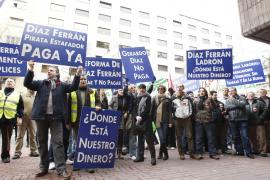 Patronal y sindicatos piden al Gobierno que retrase su propuesta de reforma