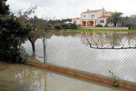 El diluvio en la pitiusa menor provoca inundaciones en comercios y viviendas