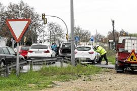 El temporal de lluvia y viento provoca inundaciones y caos en las carreteras