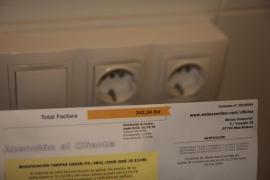 La factura de la luz se ha encarecido un 70% en la última década, según Facua