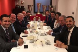Directiva del Formentera, de comida en el Pizjuán