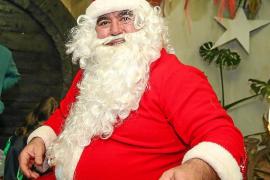 Papá Noel hace un hueco en su apretada agenda para visitar Las Dalias