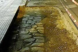 El antiguo empedrado de Vila, al descubierto