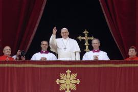 El papa, en su mensaje de Navidad, invoca la paz ante terrorismo y guerras
