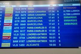 Vueling vuelve a despertar la indignación por sus retrasos con Ibiza