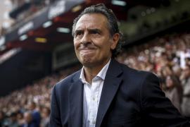 Prandelli dimite como entrenador del Valencia