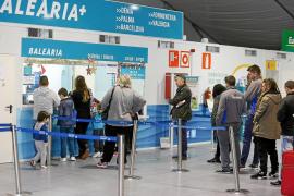 La conexión Dénia-Ibiza está completa y moverá más de 2.500 personas y un millar de vehículos en tres días