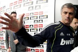 Mourinho: «El Barça es más feliz con Iturralde que el Madrid»