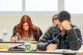 Los alumnos de la UIB pitiusa exigen tener los mismos servicios que los de Palma