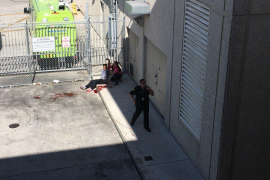 Al menos 5 muertos y 8 heridos en dos tiroteos en el aeropuerto de Florida