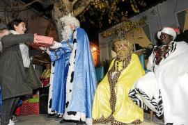 Austeridad y toneladas de ilusión para despedir a los Reyes Magos
