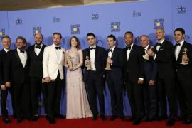 'La La Land' vuela alto y hace historia en los Globos de Oro