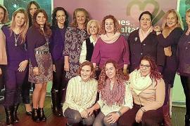 Brindis navideño de la asociación Mujeres en Igualdad