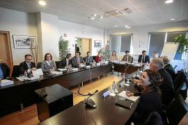 Govern y CAEB piden una rebaja del 13% de las tasas aeroportuarias en cinco años