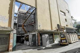 Vila modifica la circulación en algunas calles ante el derribo del Cine Serra