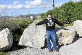 Los vecinos del camí de es Codolar reclaman a Sant Josep que retire las rocas