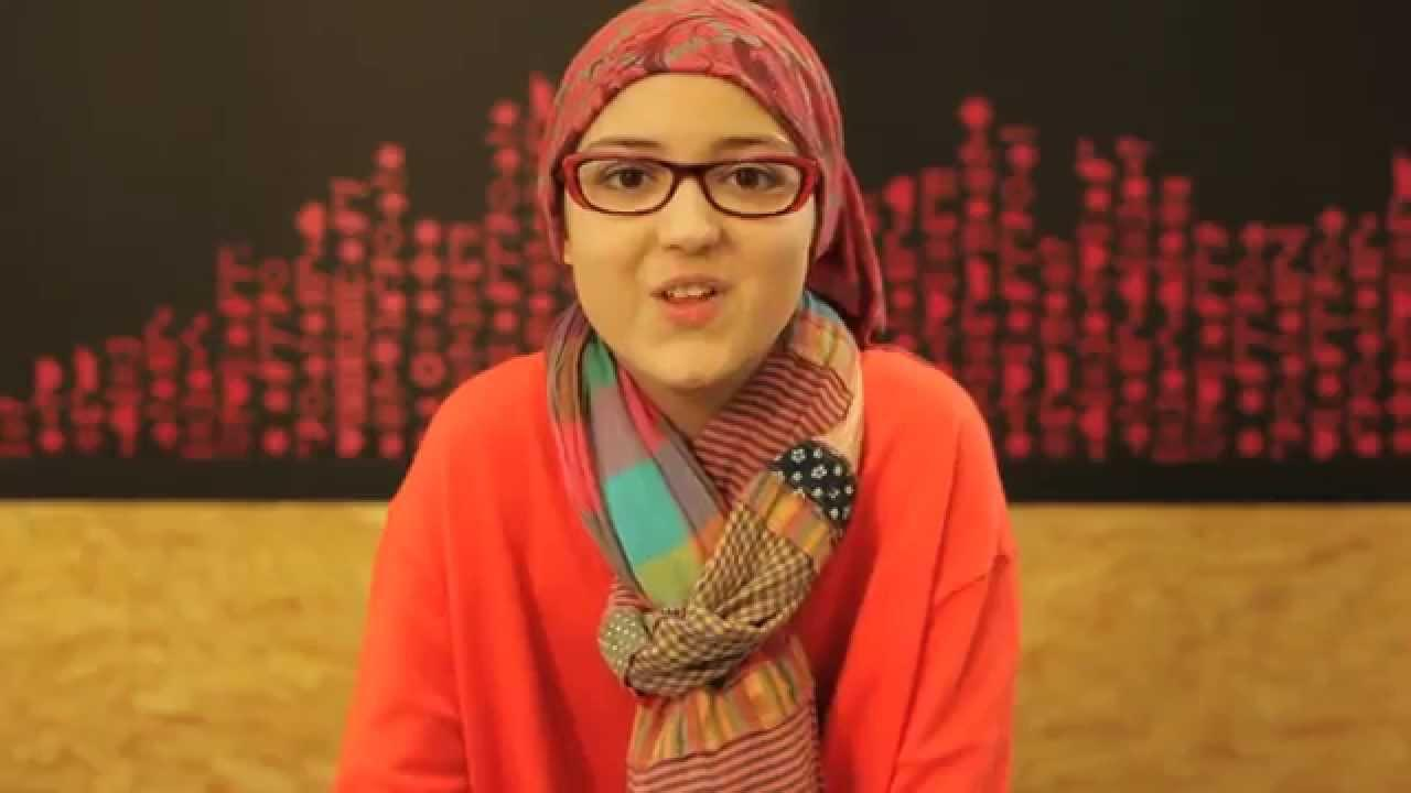 Dos niñas recaudan un millón de euros vendiendo pulseras para la investigación del cáncer infantil