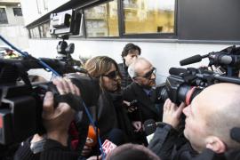 El juez deja en libertad a la madre de Nadia tras declarar por las fotos de contenido sexual